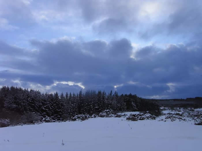 Snowy skyscape on the moorland