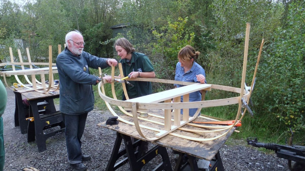Coracle consturction