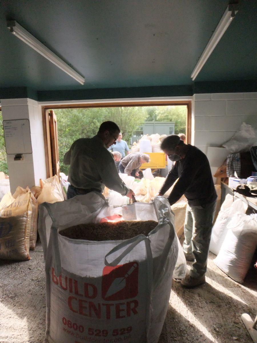 Seed bagging!